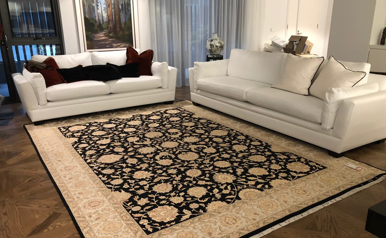 What to consider when choosing a Living Room Rug