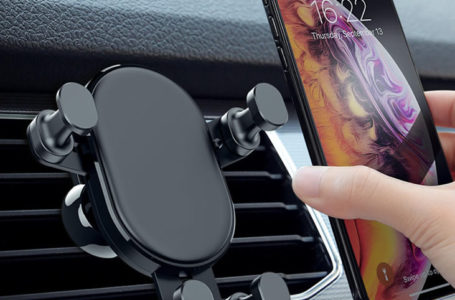 The Benefits of a Mobile Phone Holder for Your Car
