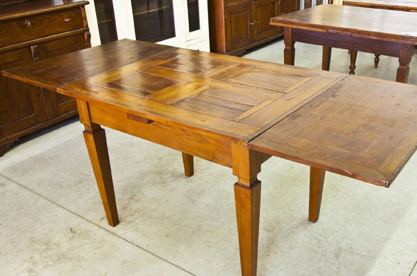 How to Sand and Refinish a Table