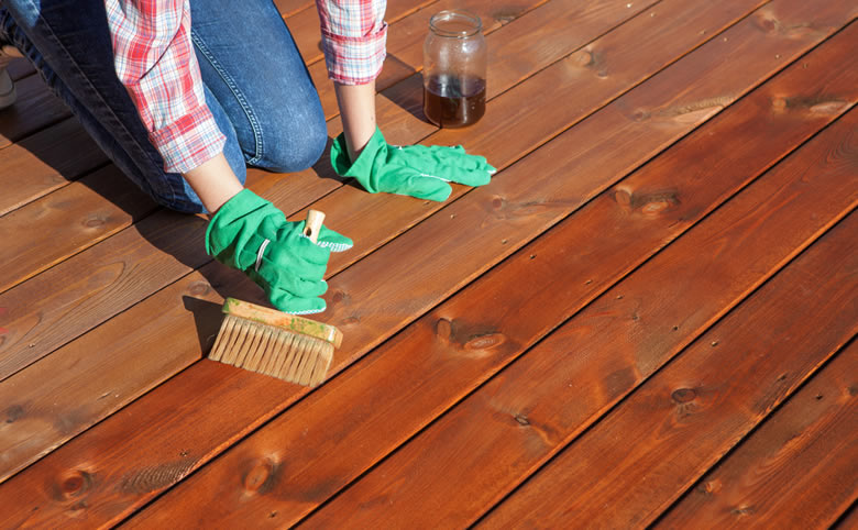 Deck Maintenance: Wood vs Composite