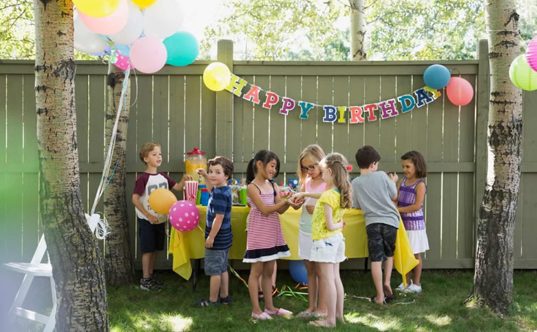 10 Outdoor Kids' Party Ideas