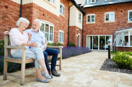 Choosing the Right Retirement Home