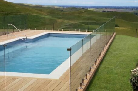 What you Need to Know about Swimming Pool Fencing