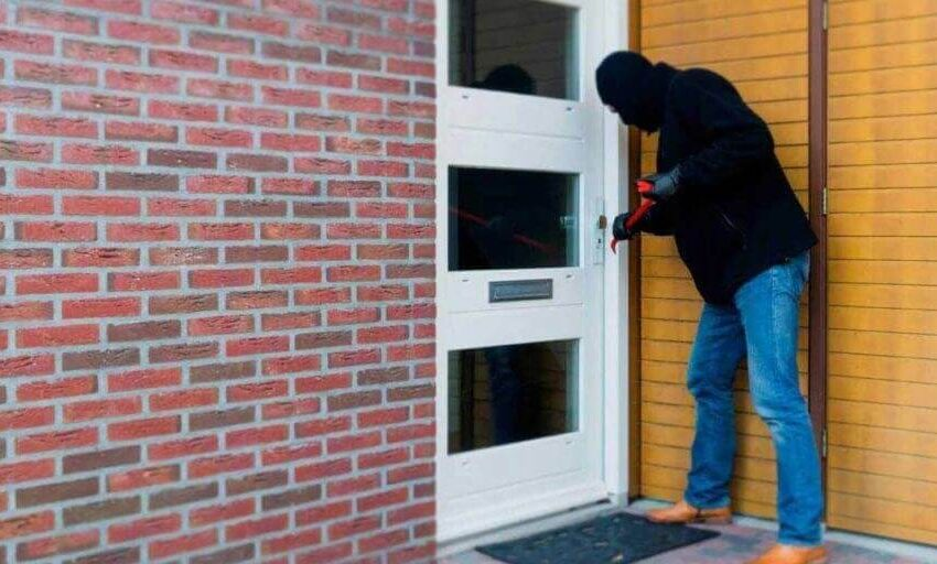 Top 12 Expert Home Security Tips to Protect Your Home While You're Away