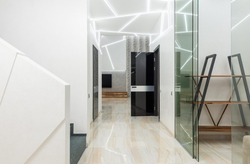 Why Should You Use Frameless Glass?