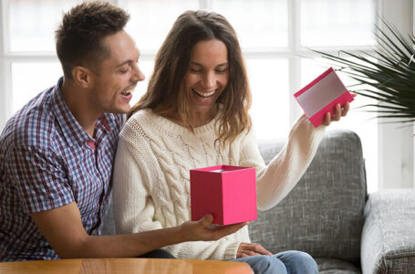 Appropriate Gifts For The Current Stage In Your Relationship