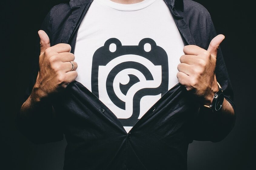 8 Top Tips for Designing Your T-Shirt Online